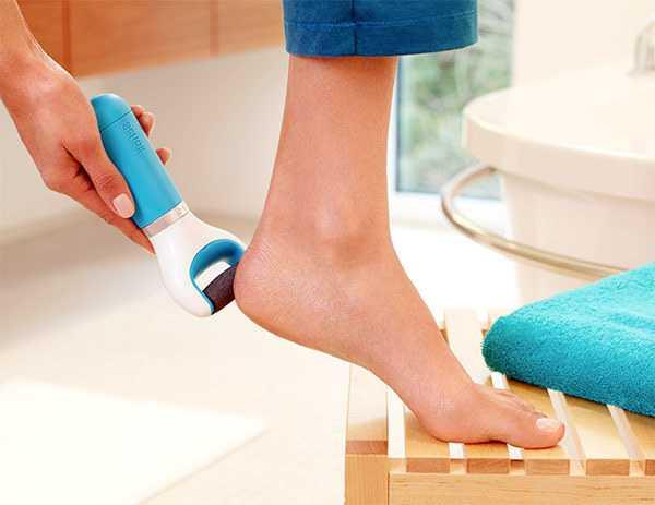 Літній догляд за вашими ніжками – тільки необхідні процедури