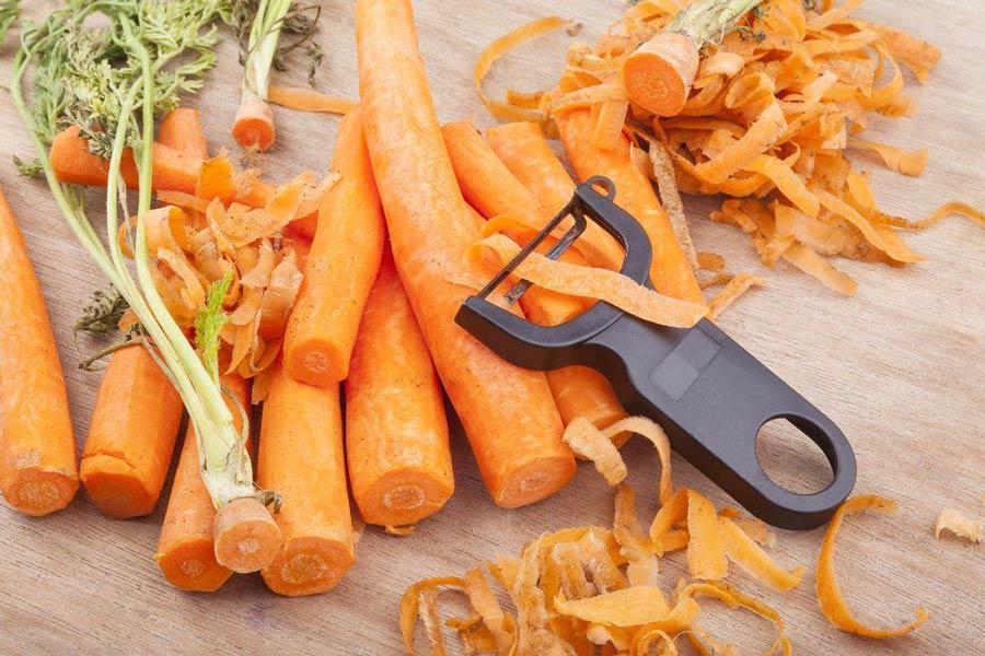 Не потрібно викидати очищення від овочів – вони стануть в нагоді в косметичних цілях