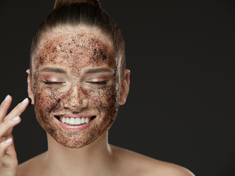 Осінні скраби для обличчя в домашніх умовах за типом шкіри