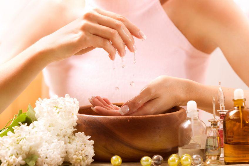 Оздоровлюючі ванночки для рук: поради і рецепти
