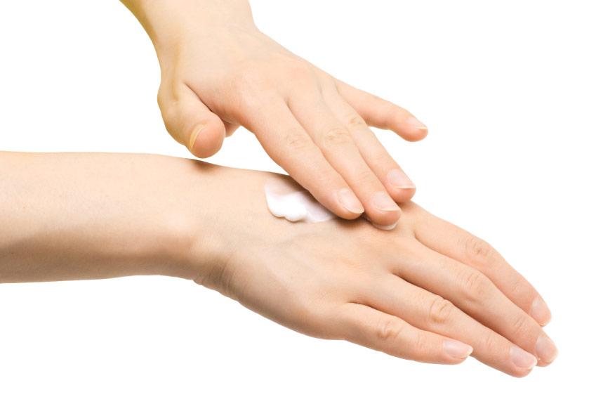 Причини віддавати перевагу кремів для рук з сечовиною