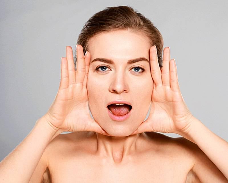 Проста гімнастика для відновлення овалу обличчя