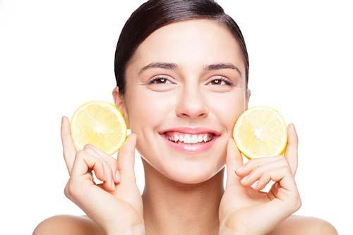 Сік лимона з оливковою олією допоможуть усунути розтяжки на шкірі