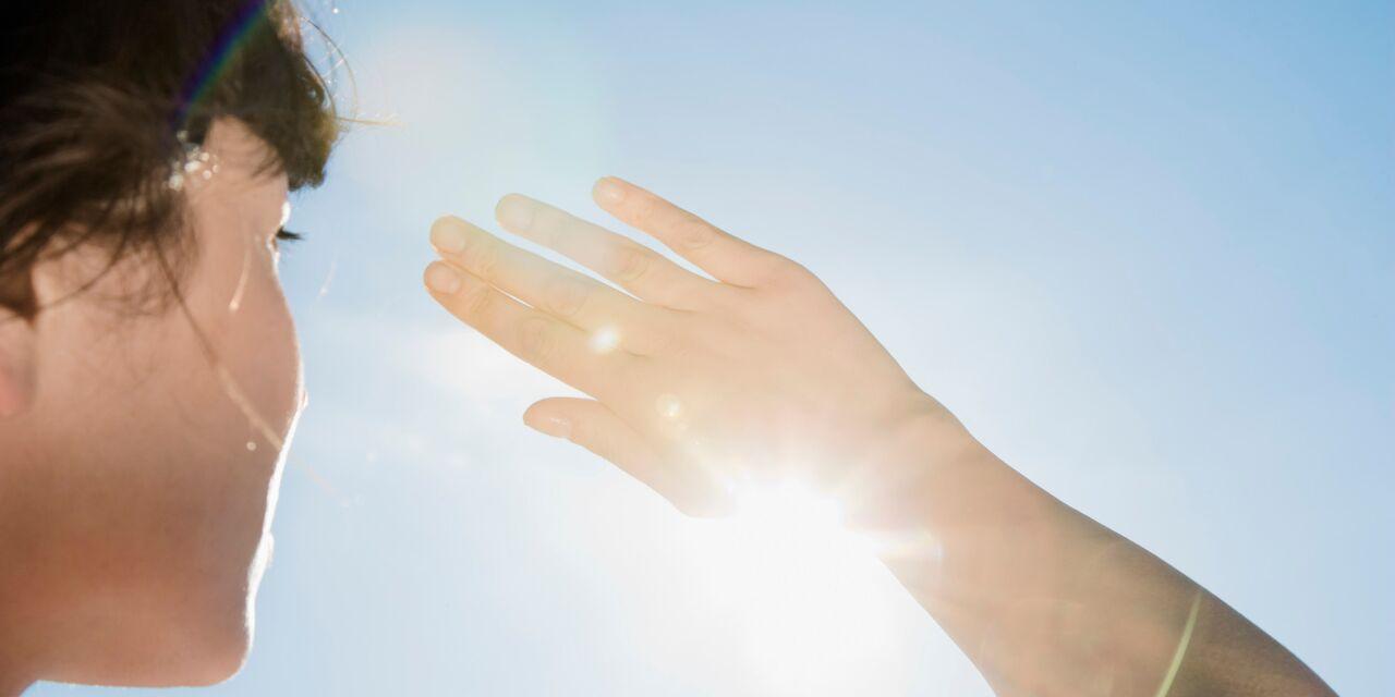 Способи уникнути сонячних опіків, коли нічим прикритися