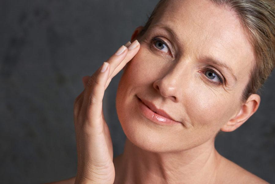 У чому користь молочної кислоти для шкіри обличчя. Чи потрібна вона взагалі нашій шкірі?