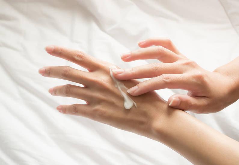 Як захистити шкіру рук від старіння?