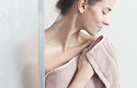 Зволожуємо шкіру після душу і прийняття ванни домашніми рецептами